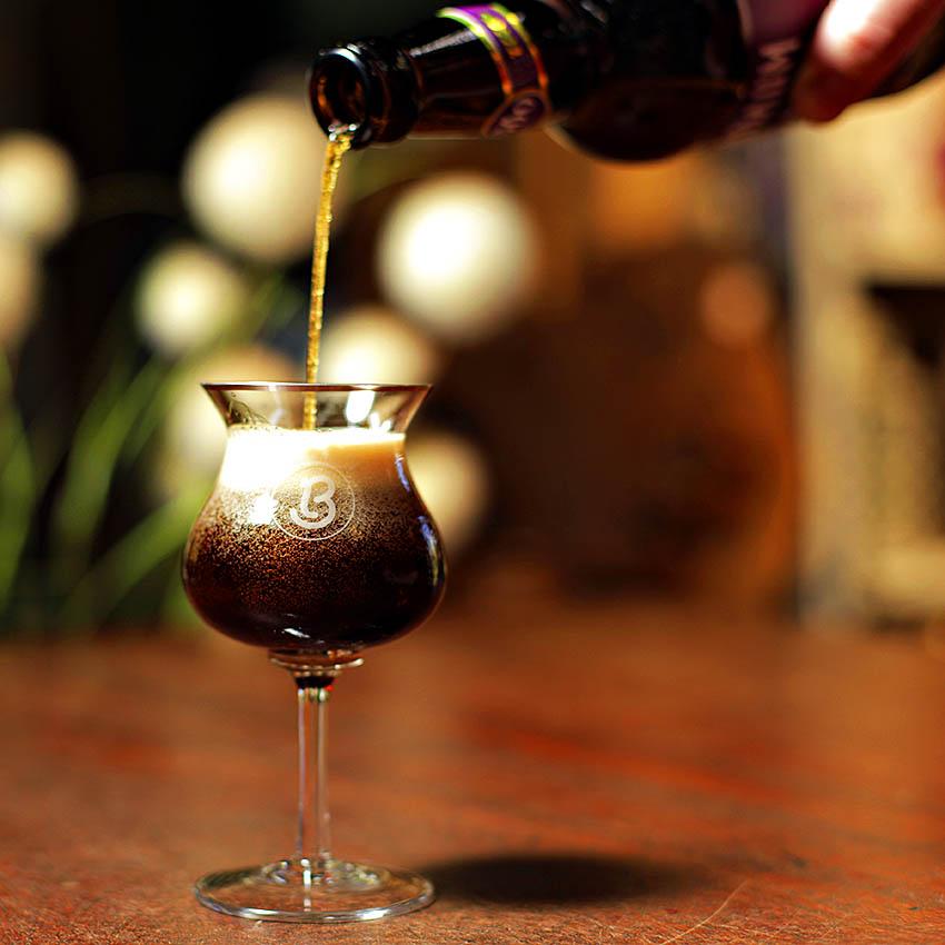 Entenda o papel dos sommelieres de cervejas e como eles podem lhe ajudar