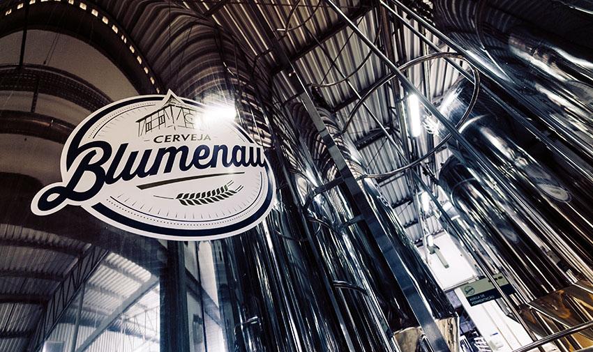 Receita colaborativa entre cervejarias Blumenau e Eggenberg terá segunda produção, desta vez na Europa